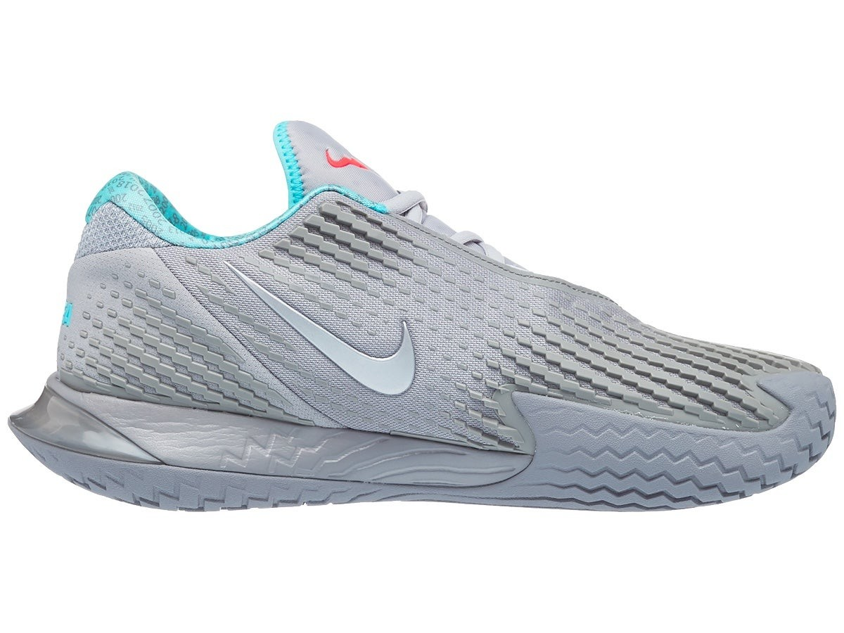 Теннисные кроссовки мужские Nike Air Zoom Vapor Cage 4 metallic silver